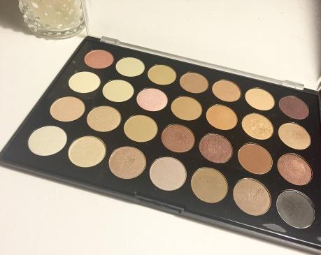 bh-cosmetics-eyeshadow-palette