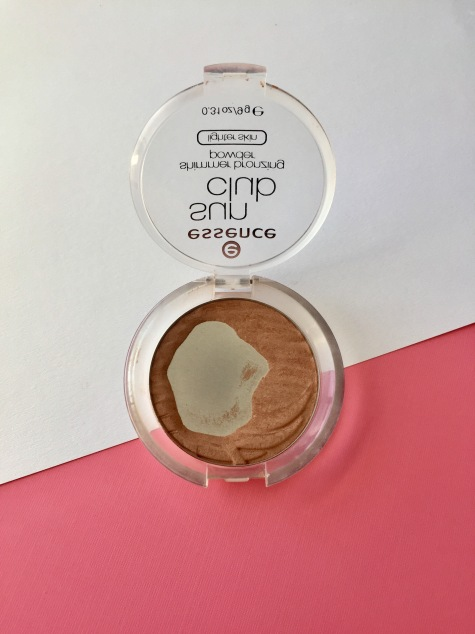 Essence Sun Club Bronzer.jpg